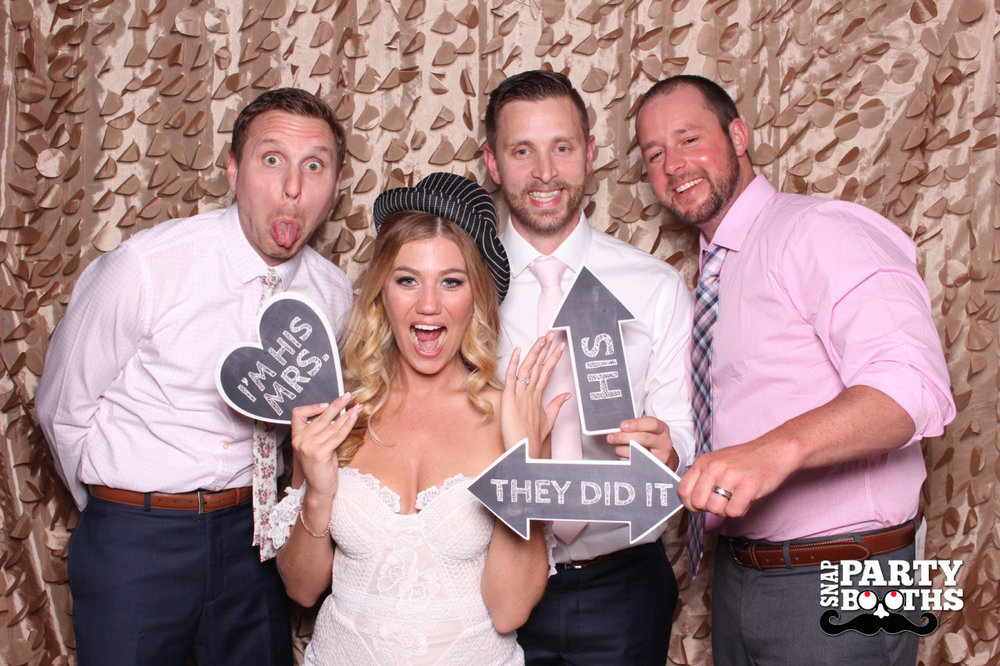 Snap-Party-Booth-187-X2.jpg