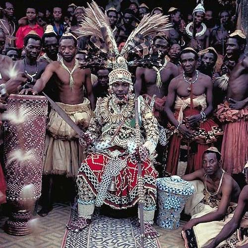 african-king-nyimi-kok-mabiintsh-iii-kuba-d.r.congo.jpg