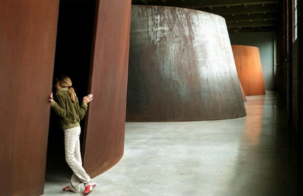 Torqued Ellipse IV, Richard Serra, (NYTimes, 1998)