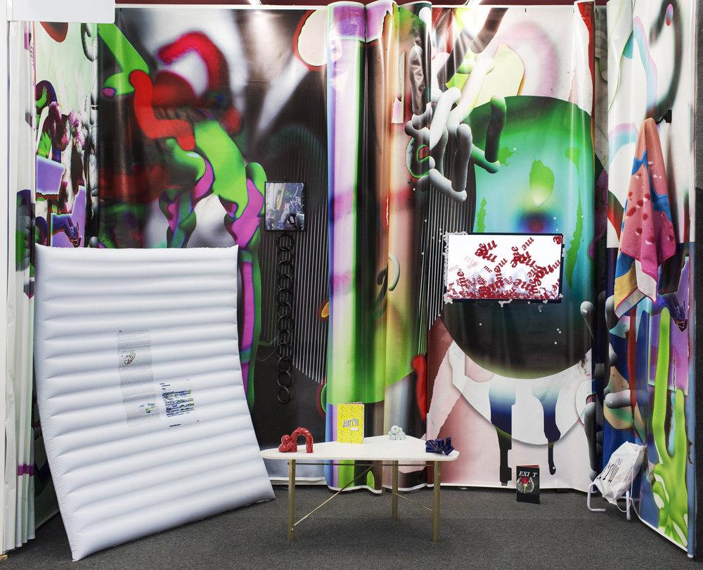 Vista de exposición, Material Art Fair 2018