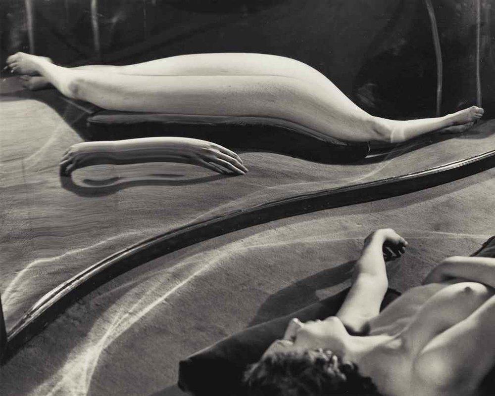 Distortion 49  (1933), André Kertész