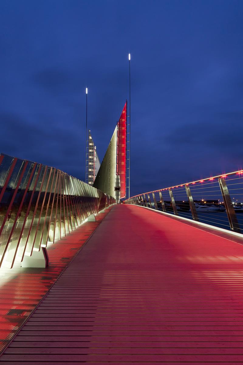 Twin Sails Bridge-9328_900.jpg