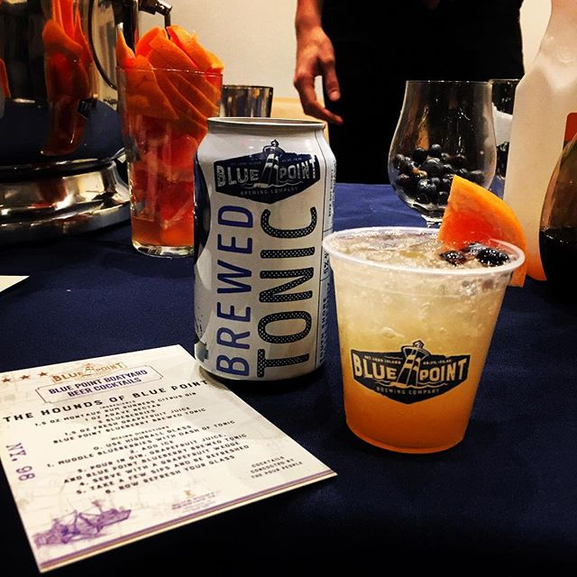 Release the Hounds!!! The Hounds of BluePoint #SupporthePour #pourandproud #bluepointbrewery #bluepointbrewing #blueberrytonic #bartender #mixology #ginandtonic #greyhound #grapefruit #refreshing