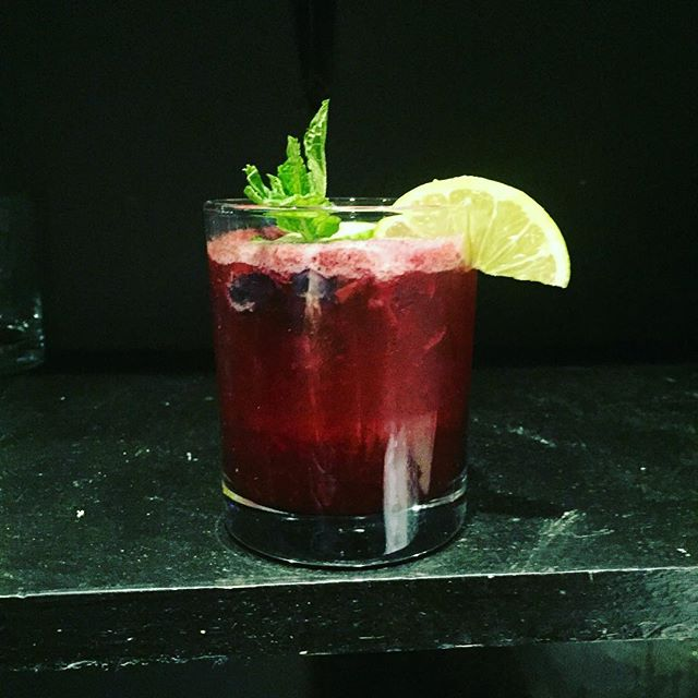 Bramble on! #blueberrybramble #SupporthePour #pourandproud #mixology #cocktails #bartender #gin