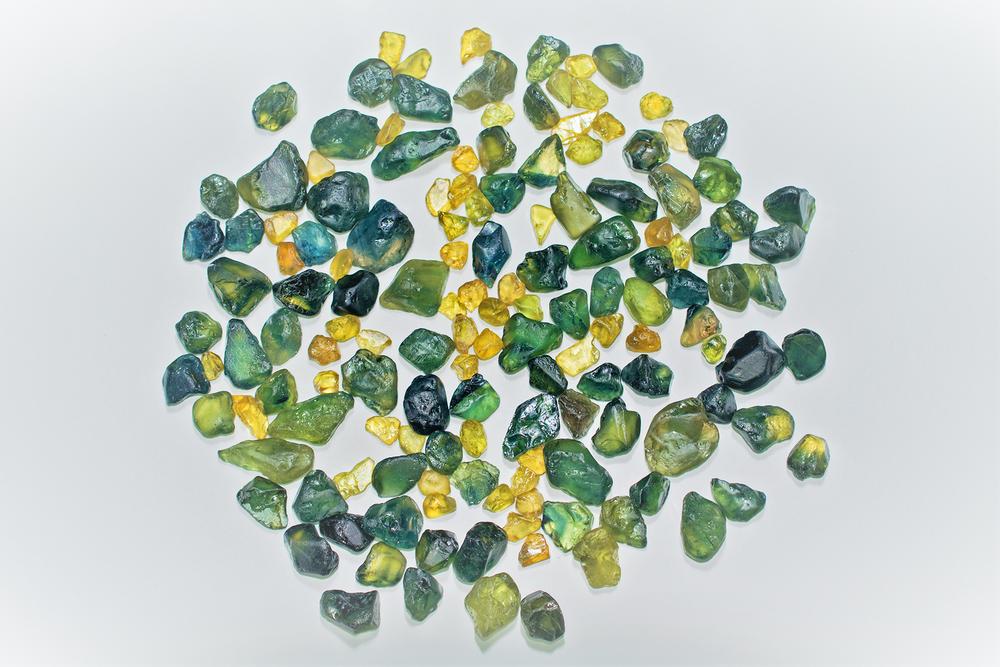 sapphire-rough-australian- yellow