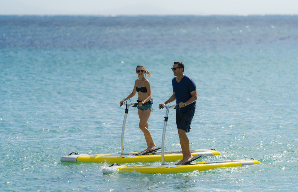 Eclipse_action_couple_ACX_yellow_bluewater_Antigua_09230_full.jpg