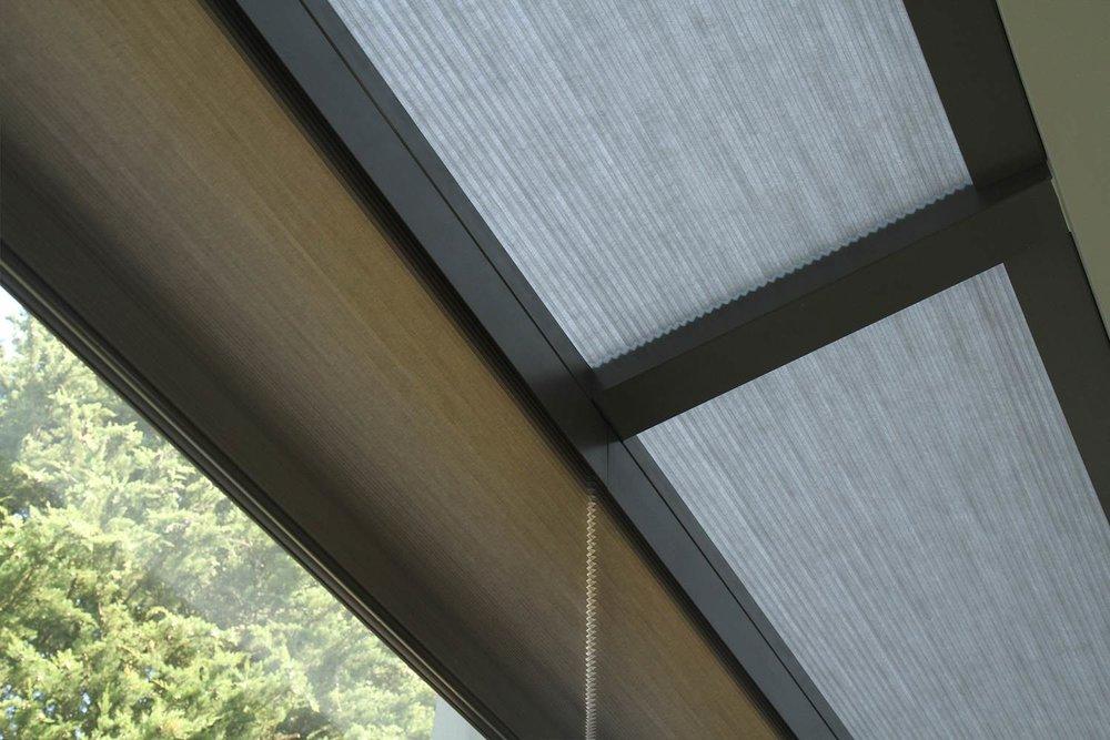 horizontal-rooflight-blinds.jpg