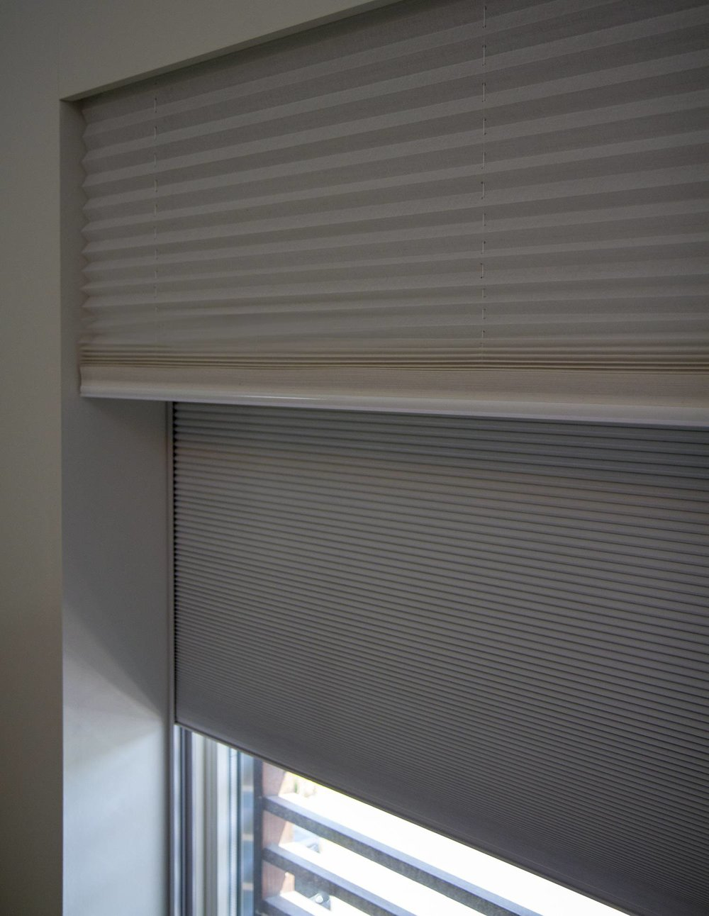 Double-blinds-close-up.jpg