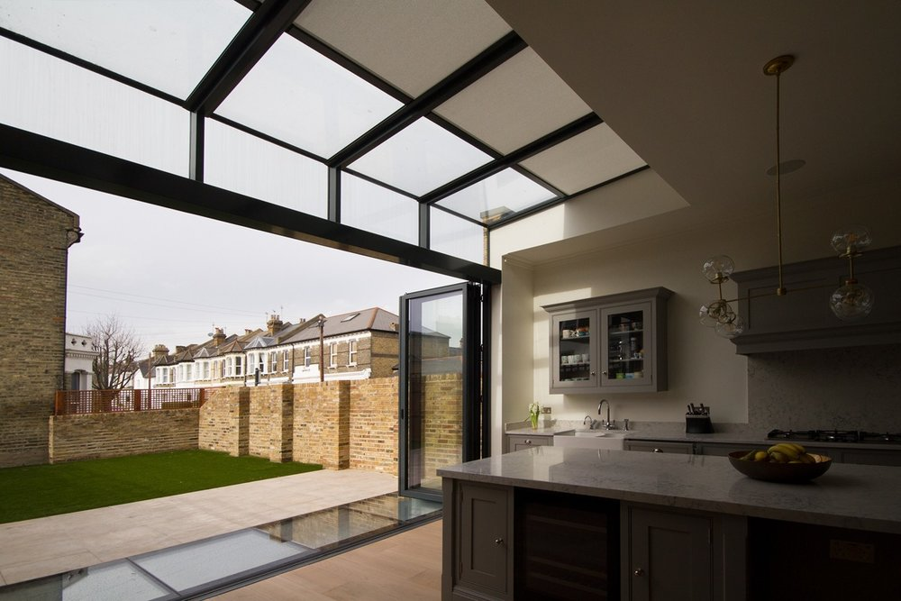 Kitchen-Extension-with-Skylight-Roller-Blind3-1200-web.jpg