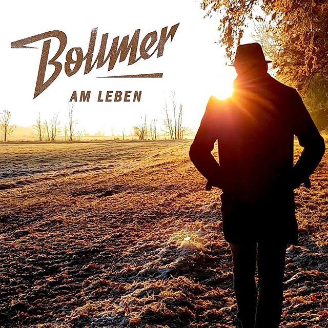 "Das Neue Musikvideo zu ""AM LEBEN"" Hier!! https://m.youtube.com/watch?v=s6t-FkdE94Q"