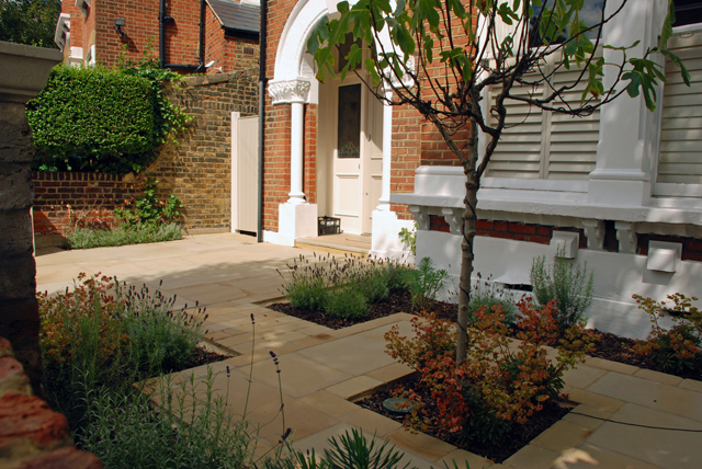 Front-garden-in-Wandsworth-.jpg