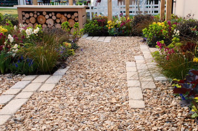 Setts in Gravel [5].jpg