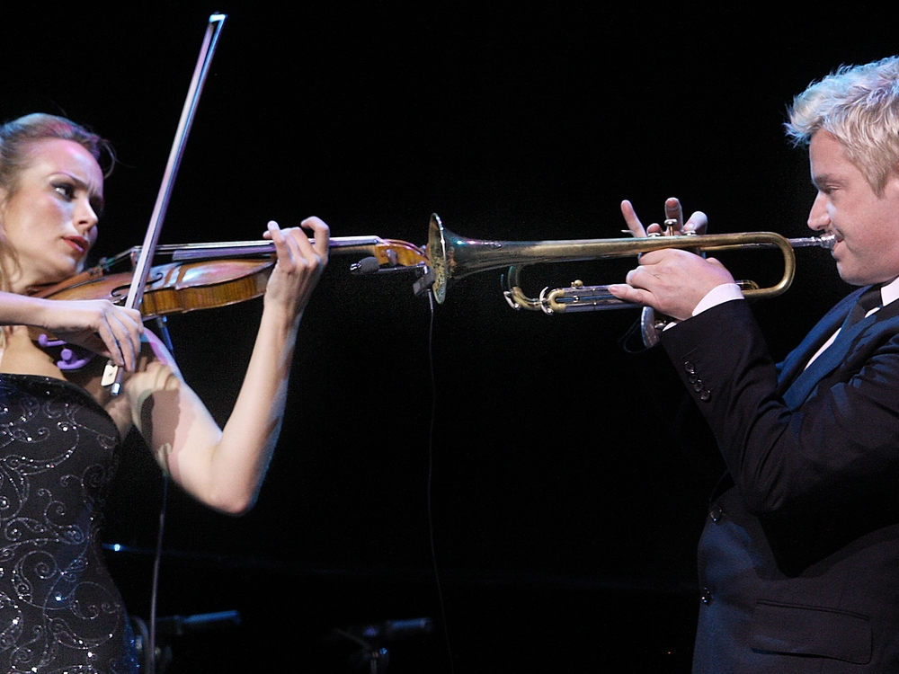 Caroline Campbell and Chris Botti perform at the 2011 UNICEF Children's Champion Award Dinner