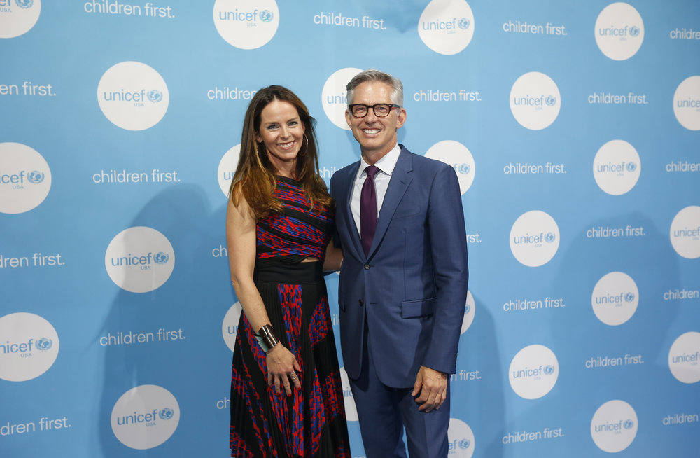 2017 UNICEF Children's Champion Award Dinner co-chairs Kerry Swords and Bryan Rafanelli.  © Scott Eisen/Getty Images for UNICEF USA