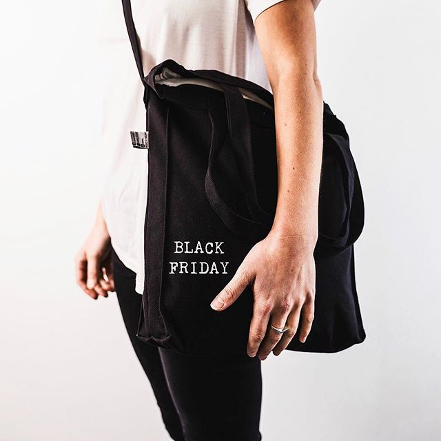 So, I guess it's Black Friday time. And we're joining in with 25% off totes and everything online with: BLACKFRIDAY as the code. Tell all your mates! Peace ✌️[From Friday to Sunday]