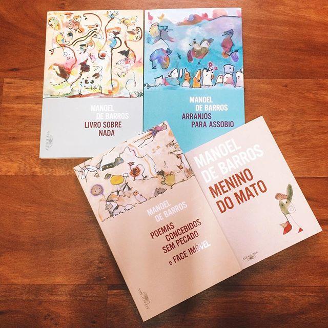 Hoje, dia 19, Manoel de Barros completaria 100 anos! Comemore lendo sua obra, que ganhou novas edições pela Alfaguara Brasil. 😊 #manoeldebarros #espalhepoesia