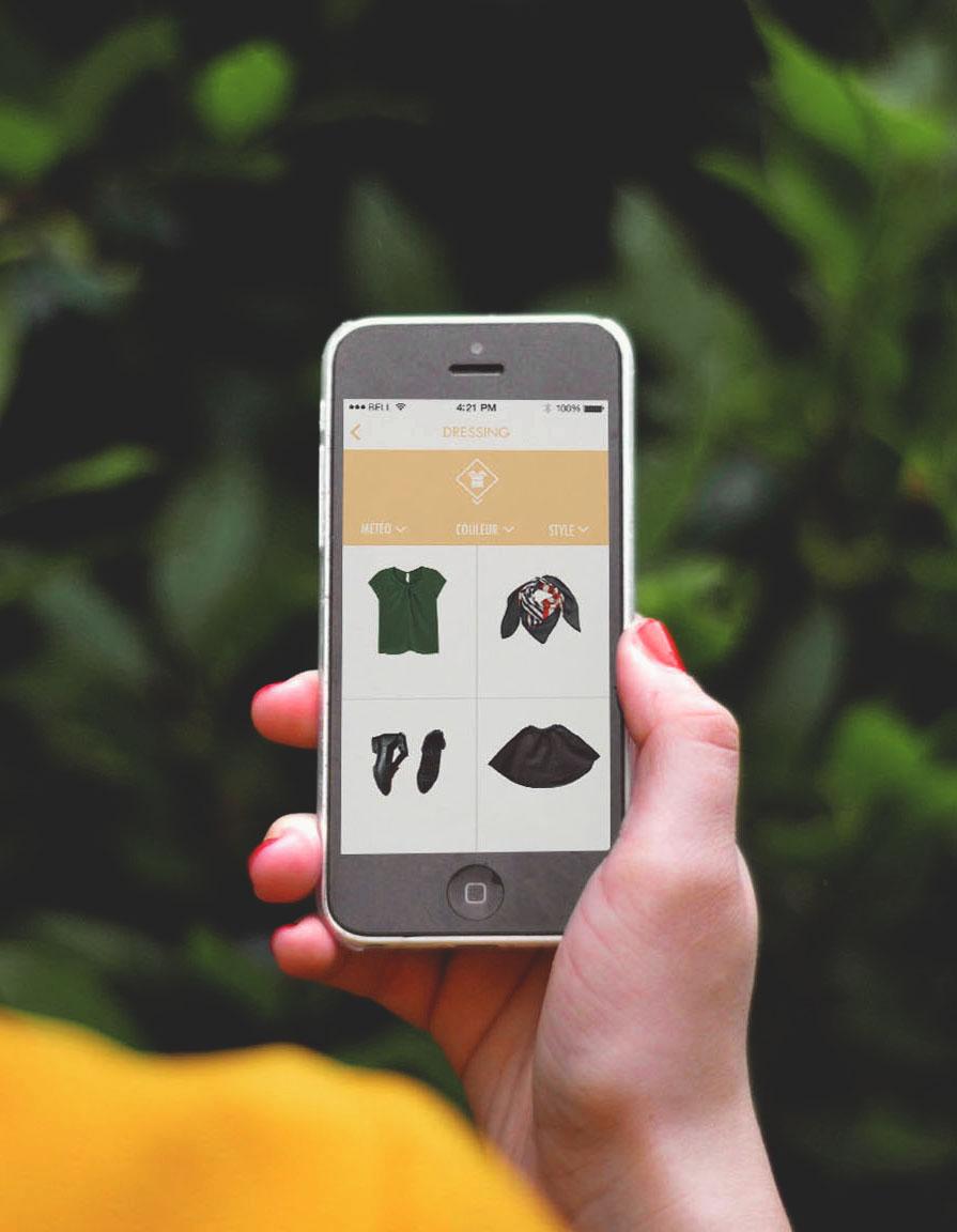 L'app Clothe To Me - Pratique, dans un premier temps, car l'application permet de visualiser l'intégralité de nos penderies depuis nos smartphones.Nos vêtements y sont soigneusement triés, par type, couleur, style et météo.Inspirante également, car l'application nous suggère différentes associations de vêtements, pour nous créer rapidement de nouvelles tenues en fonction de nos besoins du moment et de la météo.Mais ce qu'on sait moins, c'est qu'elle est totalement éco-responsable et ça… c'est trop cool !