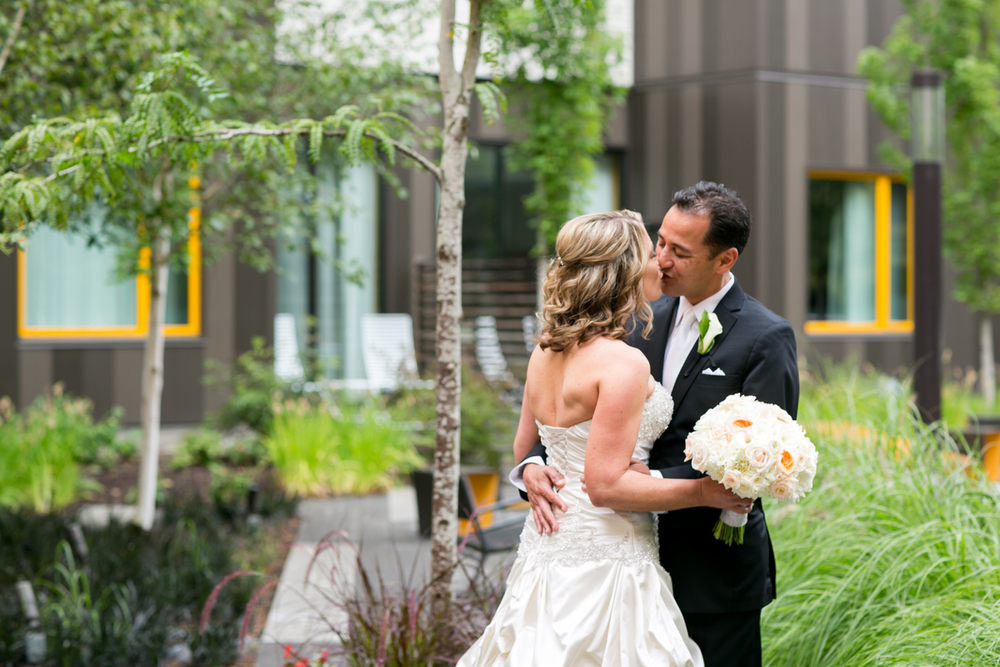 Bridalbliss.com | Lake Oswego Wedding | Bridal Bliss Event Planning | Zest Floral | Jessica Hill Photography | The Foundry at Oswego Pointe