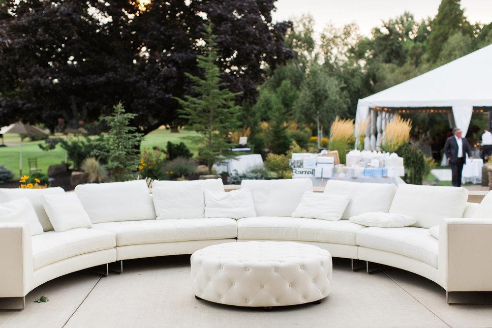 Bridalbliss.com | Eugene Wedding | Oregon Event Planning and Design | Amanda K Photography | Blum Floral
