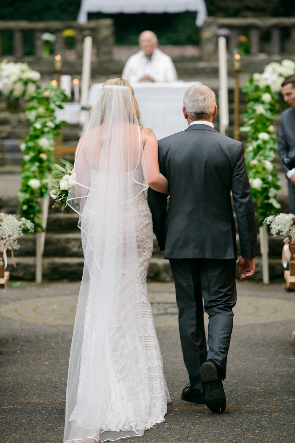 Bridalbliss.com | Portland Wedding | Oregon Event Planning and Design | Honeysuckle Photography | Blum Floral