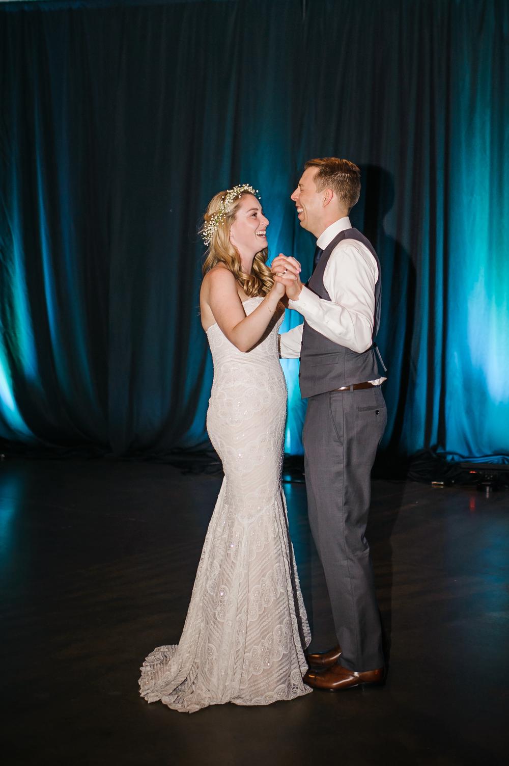 Bridalbliss.com | Portland Wedding | Oregon Event Planning and Design | Honeysuckle Photography | Blum Floral