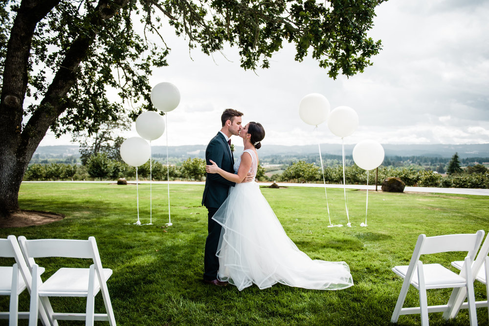 Bridalbliss.com | Portland Wedding | Oregon Event Planning and Design | Laura Morseman Photography