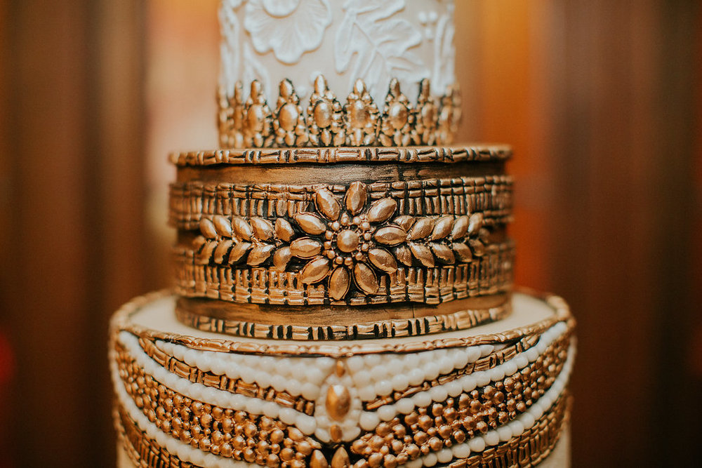 Bridalbliss.com | Portland Wedding | Oregon Event Planning and Design | Hazelwood Photography | Artisan Cake Company