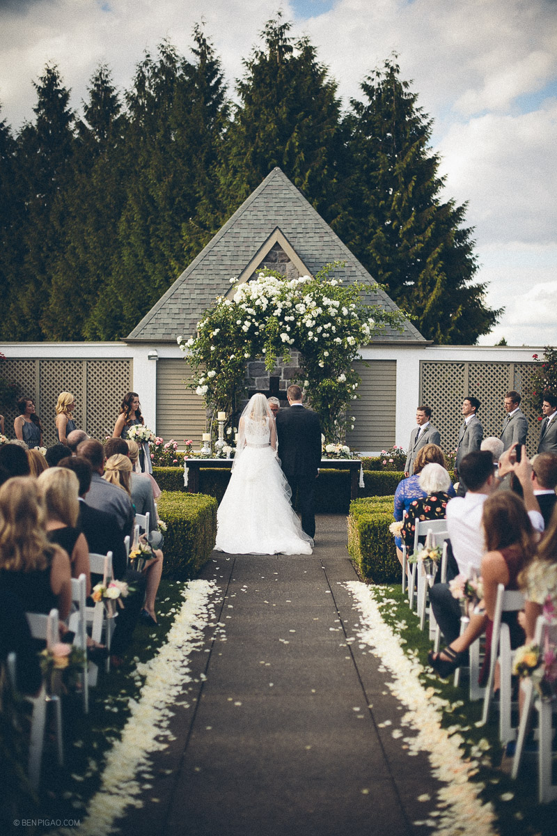 Bridalbliss.com | Portland Wedding | Oregon Event Planning and Design | Ben Pigao Photography | Blum Floral
