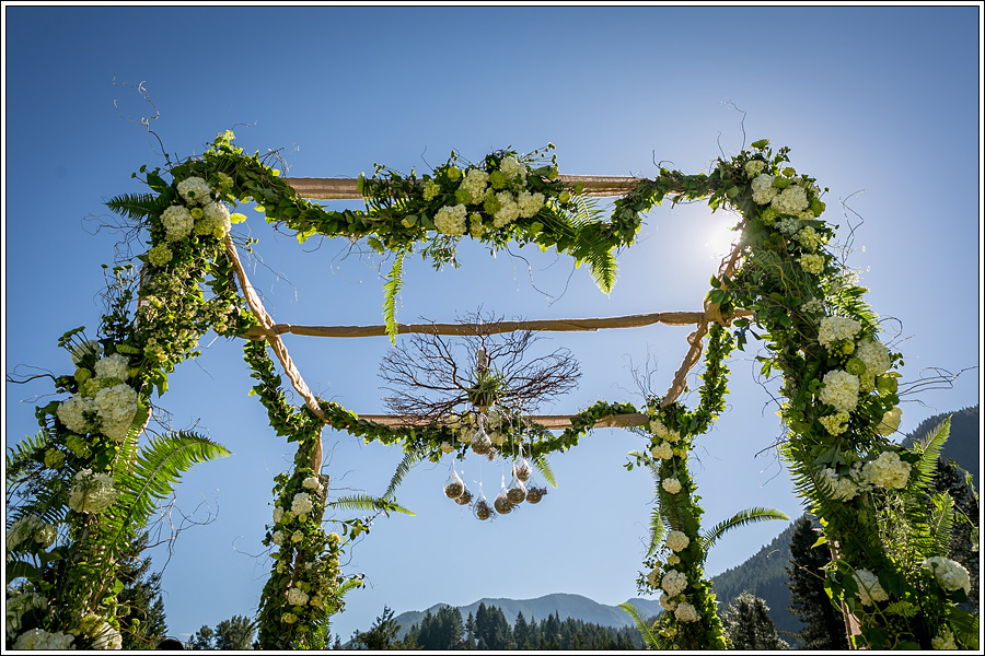 Bridalbliss.com | Portland Wedding | Oregon Event Planning and Design | Symbol Photography | Geranium Lake Floral