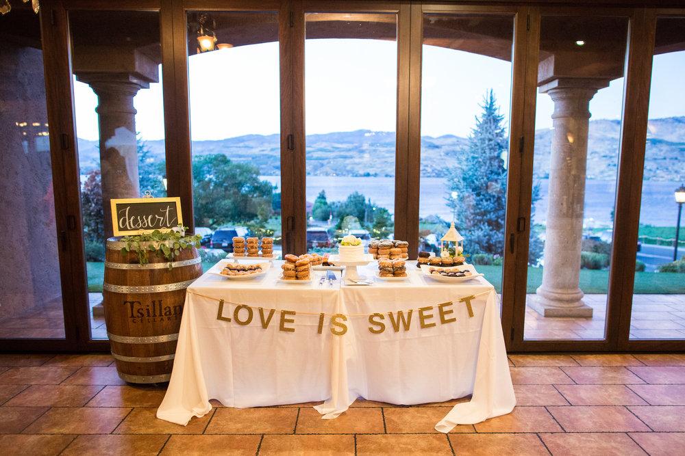 Bridalbliss.com | Lake Chelan Wedding | Washington Event Coordination and Design | Ben + Molly Photography
