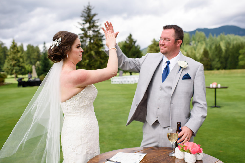 Bridalbliss.com | Mt. Hood Wedding | Oregon Event Planning and Design | Honeysuckle Photography
