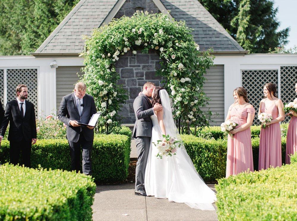 Bridalbliss.com   Portland Wedding   Oregon Event Planning and Design   Amanda K
