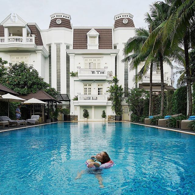 """Swimming is simply moving meditation."" ~  Cesar Nikko Caharian // @expatlaura spent some time relaxing in the stunning pool at Villa Song in Saigon, Vietnam. ----  Tag your best #familytravel pictures with #familyjaunts for a chance to be featured.  #getoutside #goadventure #liveauthentic #travelingfamily #ontheroad #exploreeverything #instatravel #littleexplorers #wanderlusting #travelgram #welltravelledkids #littleandbrave #kidstravel #familyadventure #showthemtheworld  #travelwithkids  #neverstopexploring #hoteljaunt"