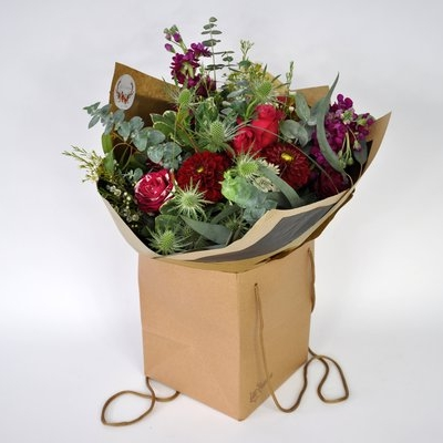 From a simple bunch of flowers to a dramatic and unusual houseplant, order online and we'll deliver it within Greater Glasgow.