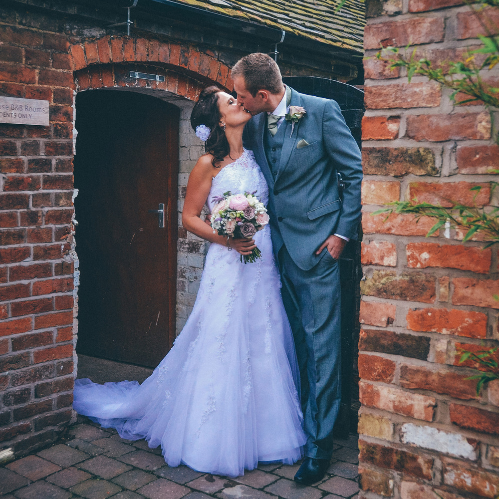 mythe-barn-wedding-photography-review
