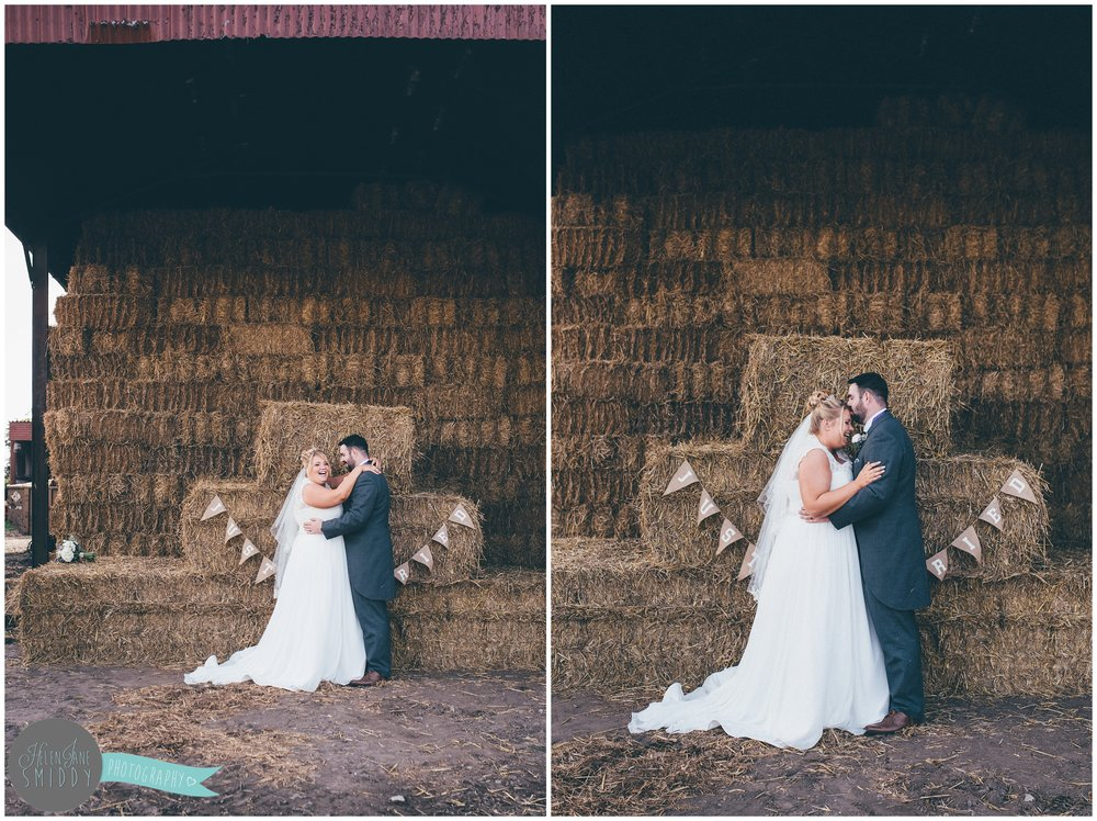 farm-farmwedding-cheshire-cheshirewedding-DIY-bride-cheshirephotographer-cheshireweddingphotographer-frodsham-bride-brideandgroom