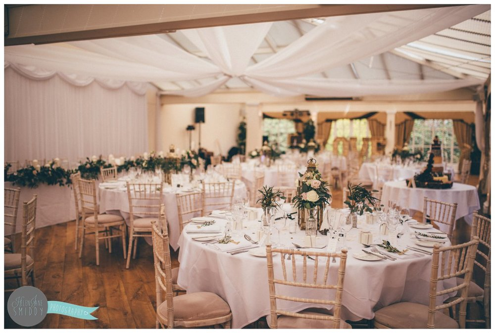 The conservatory at Mere Court Hotel was decorated with clean and rustic decorations.