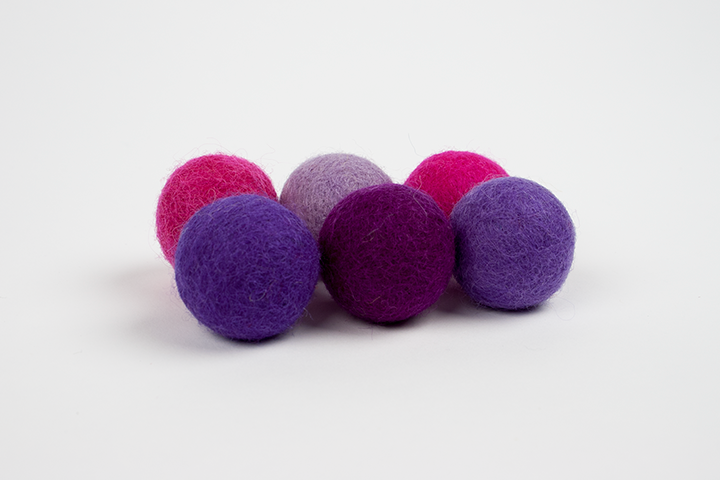 Extra pom pom pink and purple (3cm) $5.00 CAD