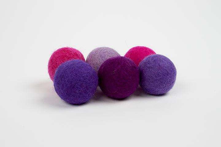 Extra pom pom pink and purple (3cm) $5.00 CAD