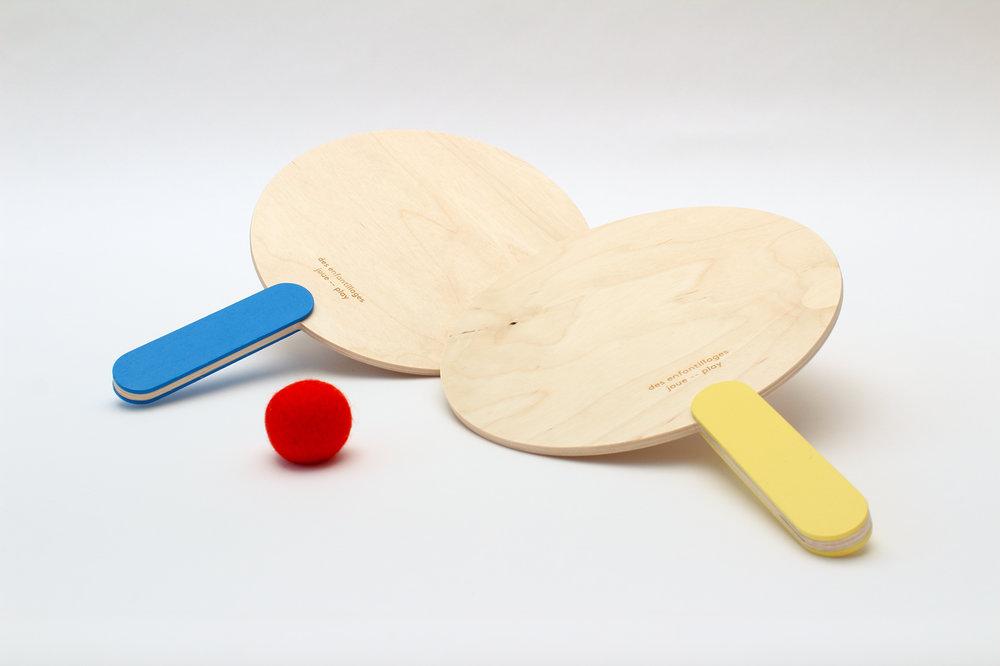 Raquettes de plage / bleu et jaune $55.00 CAD