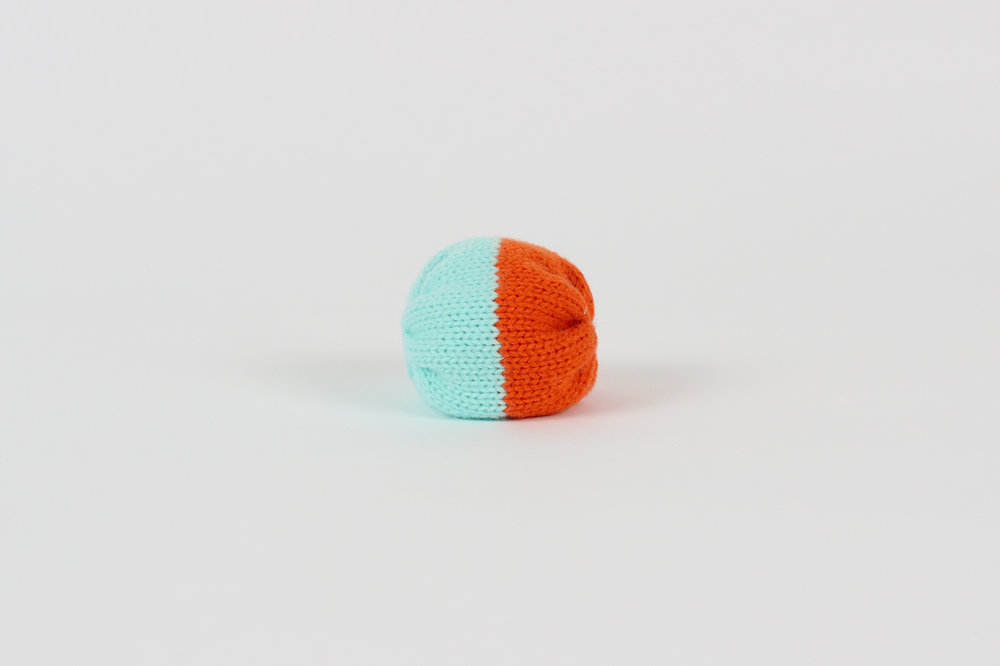 SUMMER CAPSULE COLLECTION Foot bag / orange and blue $9.00 CAD