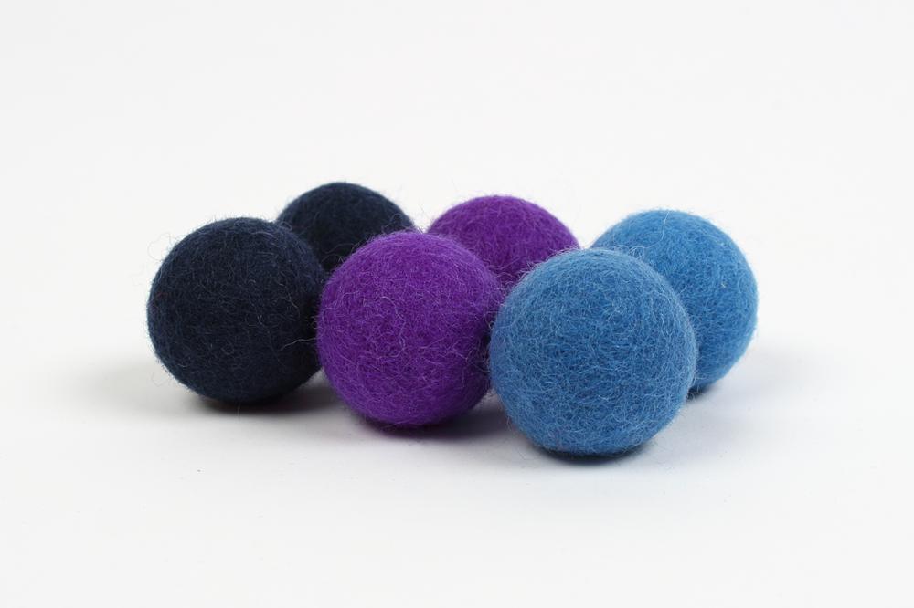 Extra pom pom - blue (3cm) $5.00 CAD