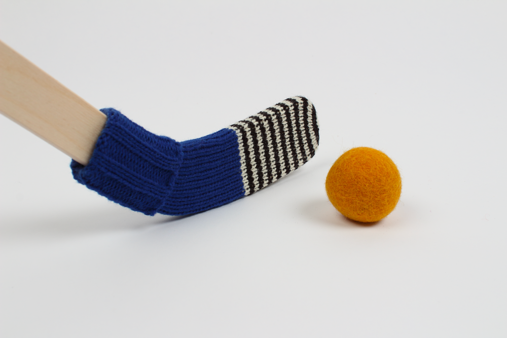 Bâton de hockey - bleu, noir et crème $34.00 CAD