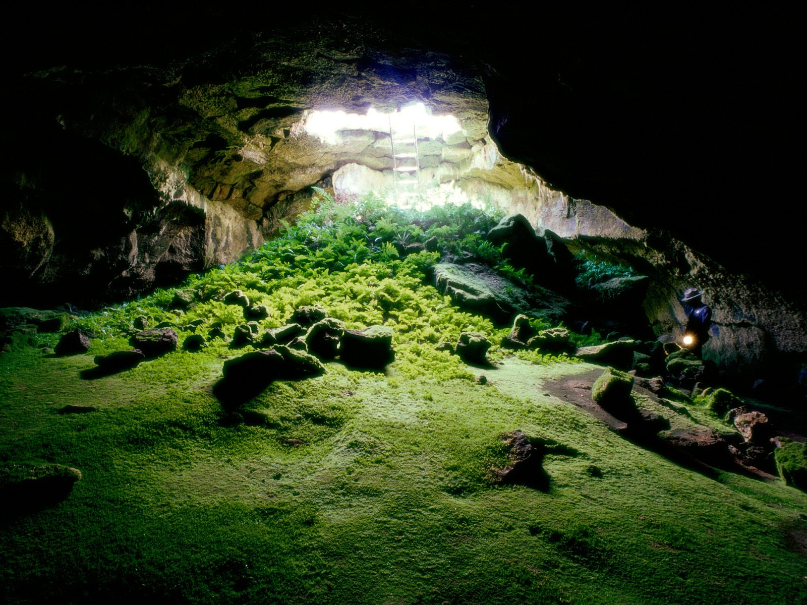 lava_tube_cave_lava_beds_national_monument-normal