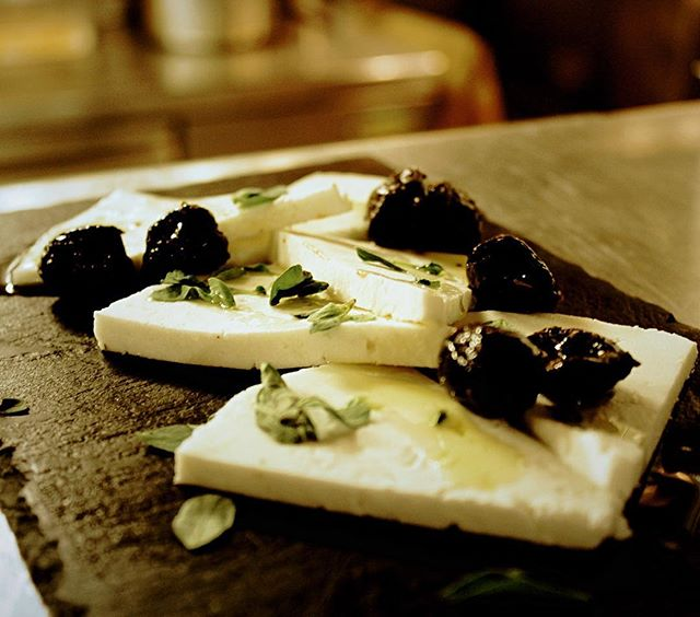 Want a healthy yet wholesome January? Try something from our pestiscos selection: fresh goat cheese-Cabra del Tiétat, fresh majoram, black olives #spanishfood #tapas #londonfoodie #foodporn #oldstreet #shoreditch #restaurant