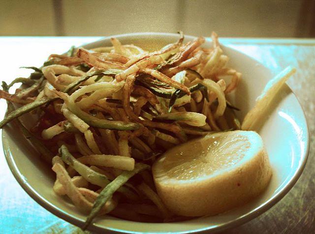 Zucchini in its best form #tapas #spanishfood #portugesefood #londonfoodie #restaurant #localfood #vegetarian #shoreditch #oldschool