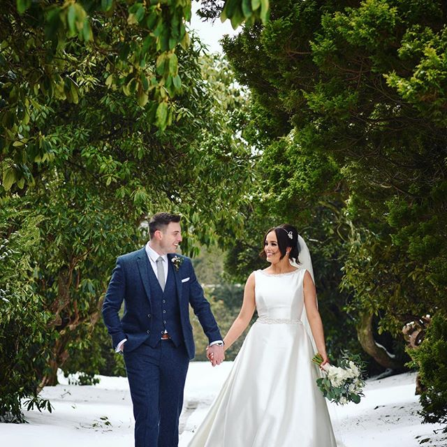 Cliodhna & Stephen @larchfield_estate today. @colette_fitz90 @theposybarn @lyttlecakes @gemmaporter87 #larchfieldestate #winterwedding #snow #bride #northernireland