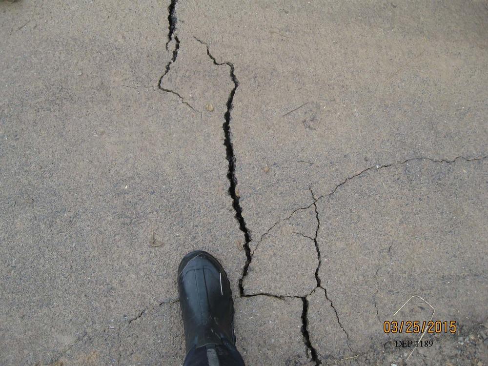 fractures in Polen Run Road post-mining.jpg