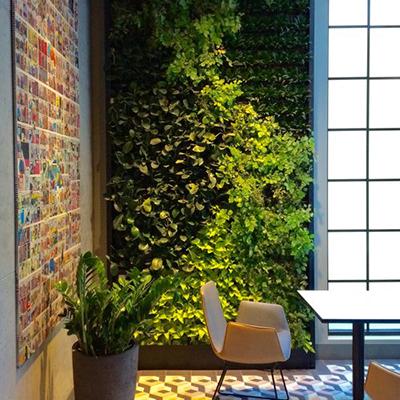 60 Soho Hotel Green Walls