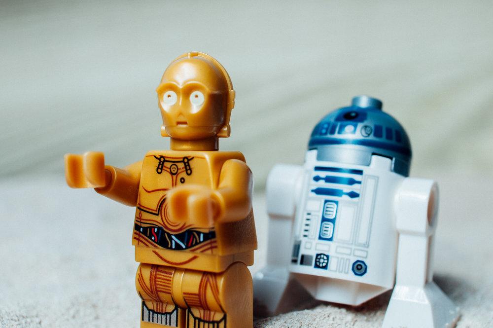 C3PO+and+R2D2+on+Tatooine-23743076399.jpg